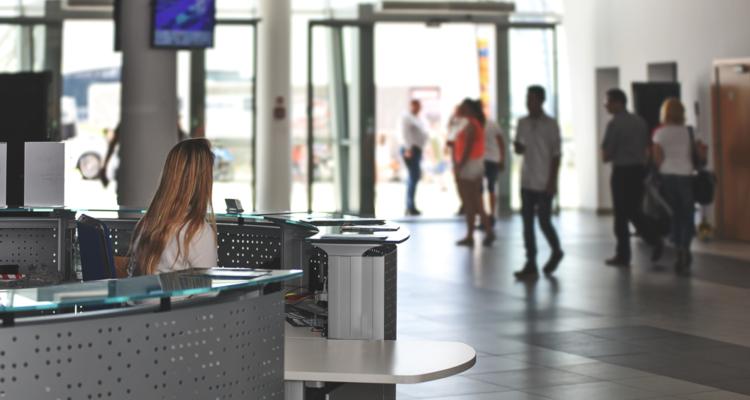 Mídia Digital Indoor: 4 maneiras de atrair a atenção do consumidor