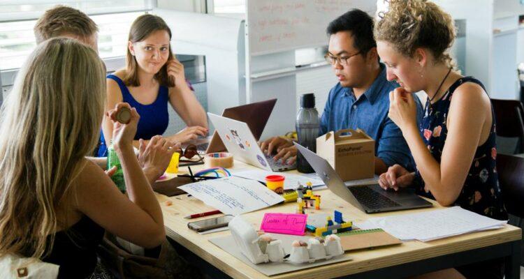 Como a comunicação interna nas empresas melhora a produtividade