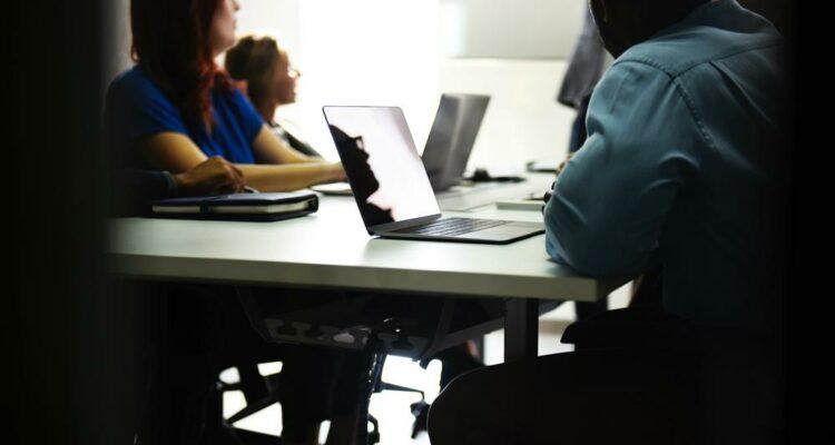 Como reduzir os ruídos na comunicação corporativa e evitar problemas para o negócio