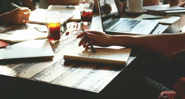 5 passos para criar uma política de comunicação interna