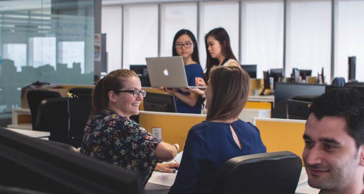 Novas tecnologias e seus impactos na comunicação das empresas