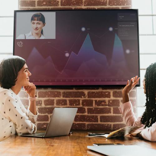 Painel de gestão à vista: veja as vantagens da comunicação digital